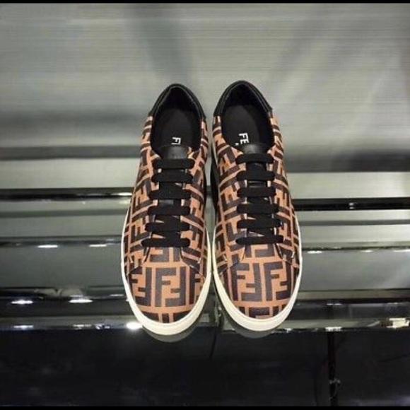 1c11a4b5 Fendi Men's Sneakers FF logo Size 9